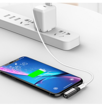 Mcdodo CA-6210 Lightning to DC 3.5mm Port + Lightning Audio Adapter for iPhone XR / iPhone XS / iPhone Xs Max / iPhone 11 /  iPhone 11 Pro /  iPhone 11 Pro Max